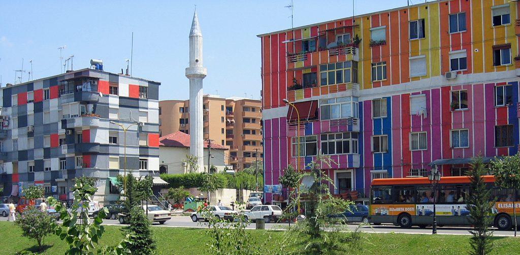 Tirana e i suoi colori
